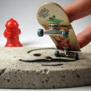 Full-Finger-Skateboard-Trucks-World-Creative-3-Hang-Loose-Deck-Freefingers-Handmade-Silver-Final-Rotation-PU-Wheels-Grey-Wood-Fingerboard-0-0