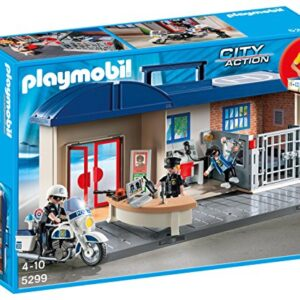 Playmobil-5299-City-Action-Take-Along-Police-Station-0